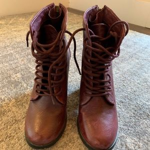 Burgundy leather shoe mint lace up bootie